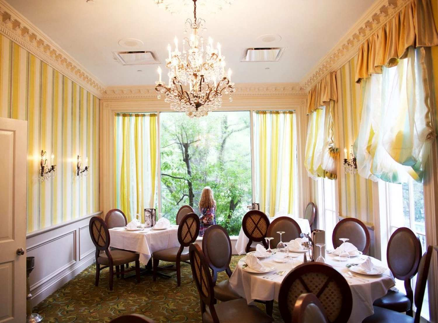 Places to eat in New Orleans - commanders palace