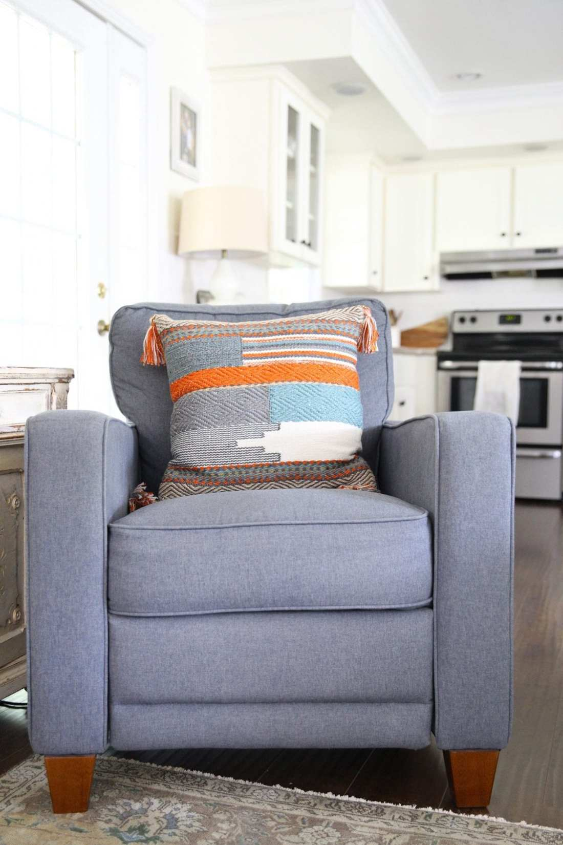 10 foolproof decorating tips - pillows
