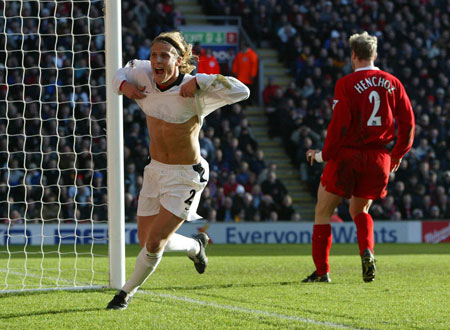 https://i0.wp.com/www.thehardtackle.com/wp-content/uploads/2011/08/Diego-Forlan.jpg