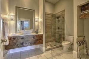 The Silver Bathroom