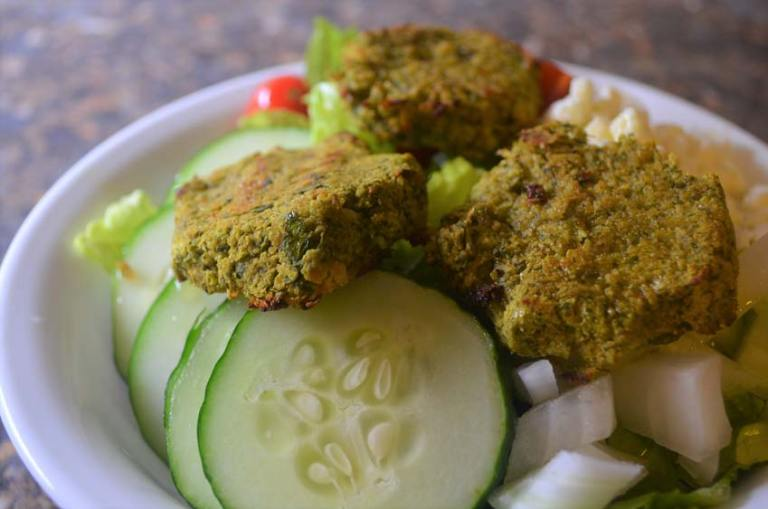 Incredible baked healthy falafel recipe! Gluten free, vegan, grain-free, dairy-free, vegetarian