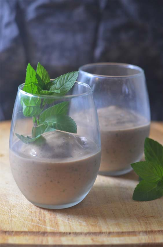 healthy vegan mint chocolate milkshake shake