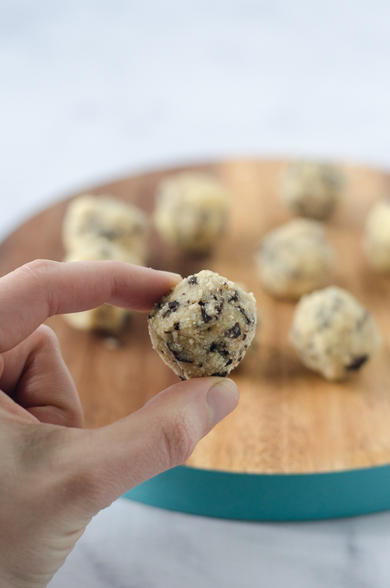 Delicious no-bake cookie dough bites! Perfect for when you really want to dip your spoon into that batter before it cooks, but with none of the worries of consuming raw eggs. Gluten-free, grain-free, dairy-free, sugar-free, Paleo, low-carb, ketogenic.