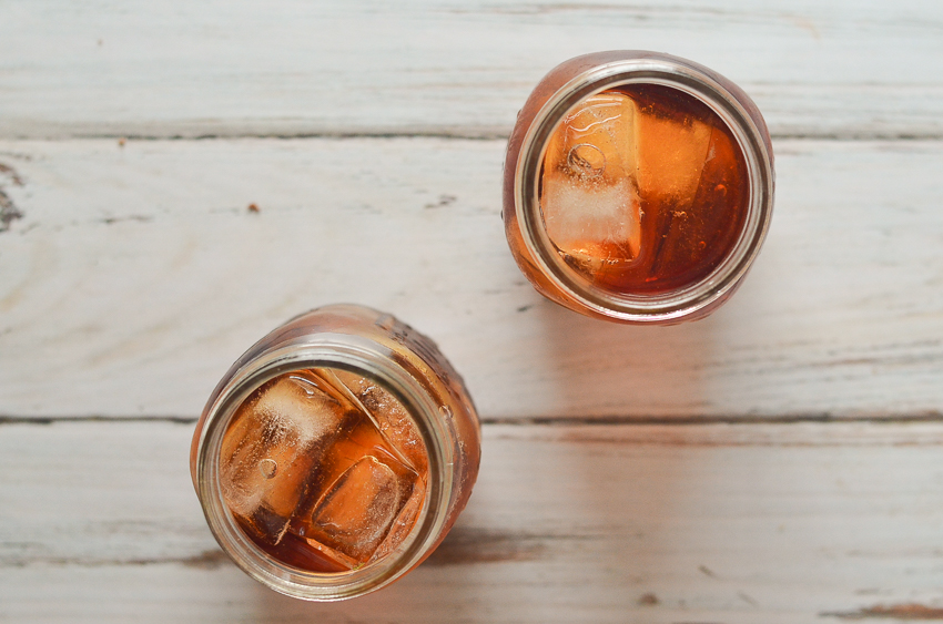 A simple refrigerator iced tea recipe that is ready overnight. No heating required, perfect for those hot summer days! To sweeten, simply add in a liquid sweetener, like stevia, as granulated sugar will not easily dissolve in a cold drink. Easily customizable, add in some lemon, orange, mint or your favorite berries.