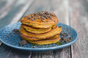 These super fluffy and flavorful pumpkin pancakes are incredibly delicious and healthy! The perfect autumn breakfast for a cozy weekend. Gluten-free, grain-free, vegetarian, Paleo, low-carb, ketogenic, sugar-free, dairy-free.