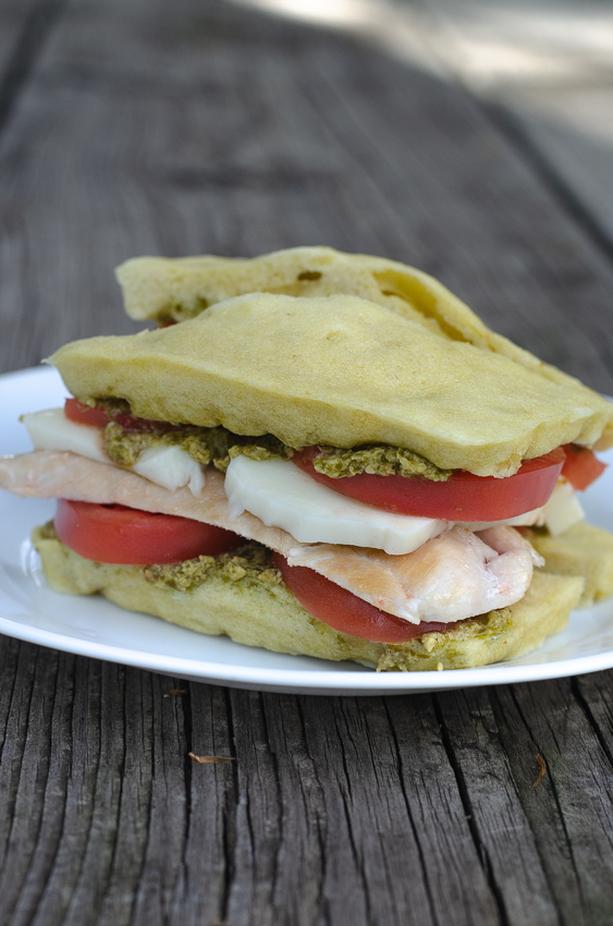 Looking for a simple and fast meal to make on a busy night? This keto pesto chicken sandwich is right up your alley! Made with microwave sandwich bread, it's a treat for any night of the week. Gluten-free, grain-free, low-carb, ketogenic.