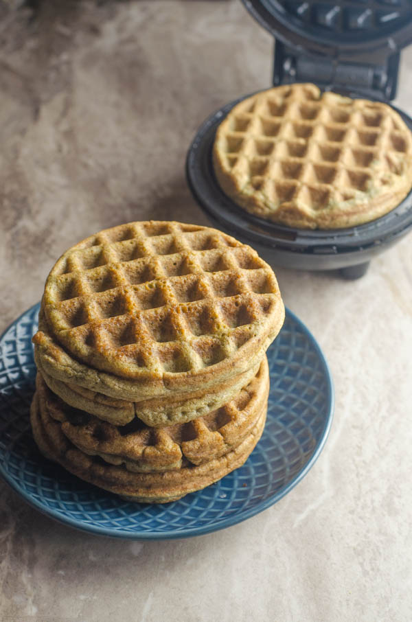 Protein waffles, a delicious breakfast for any morning! Sweet, low-carb and packed with tons of protein in every waffle. Keto, paleo, sugar-free.