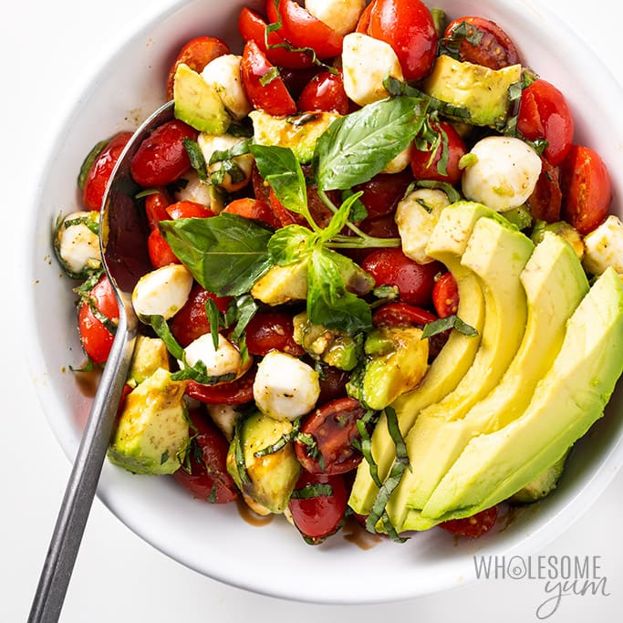 Easy Chopped Avocado Caprese Salad Recipe