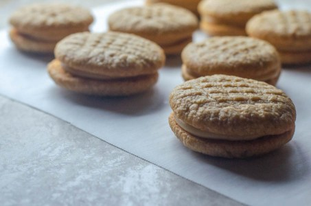 These low-carb do-si-do cookies are just like the ones the Girl Scouts sell, but they are free from tons of allergens! These are gluten-free, grain-free, dairy-free and sugar-free.