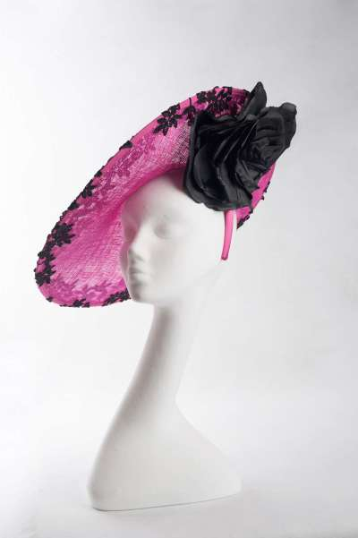 large disc Cerise with black lace hat
