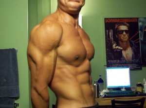 "6'1"", 187lbs, 6% bodyfat"