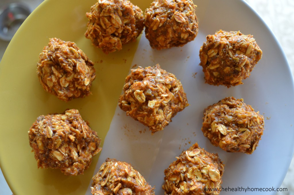 Fall is here! Enjoy these No-Bake Pumpkin Protein Bites that are the perfect pre or post-workout snack!