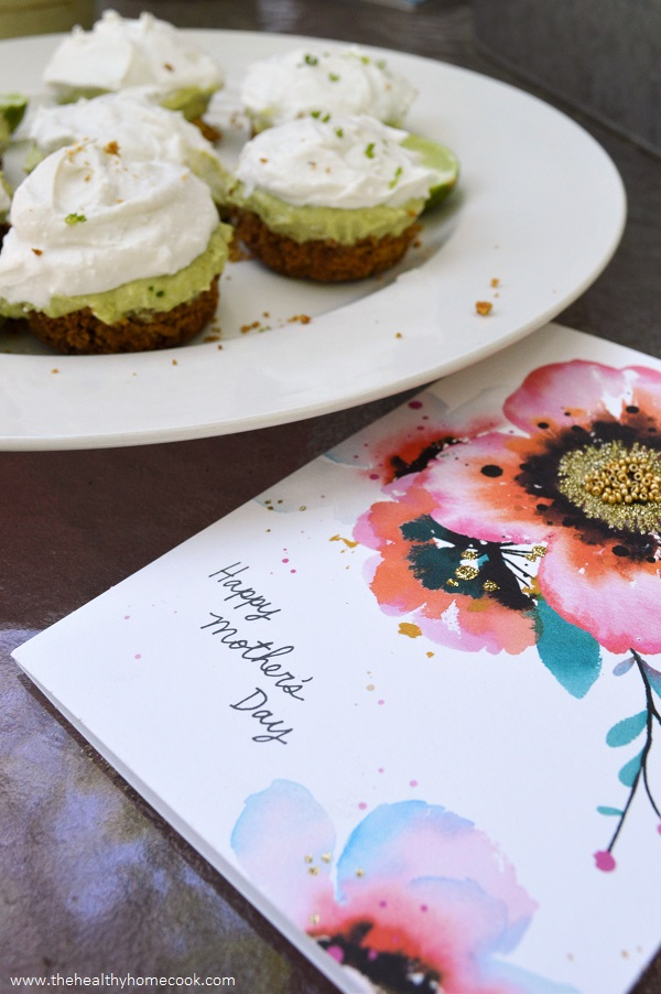 Creamy, smooth and oh so flavorful, these Mini Vegan Key Lime Pies are the perfect dessert for your Mother's Day celebration!
