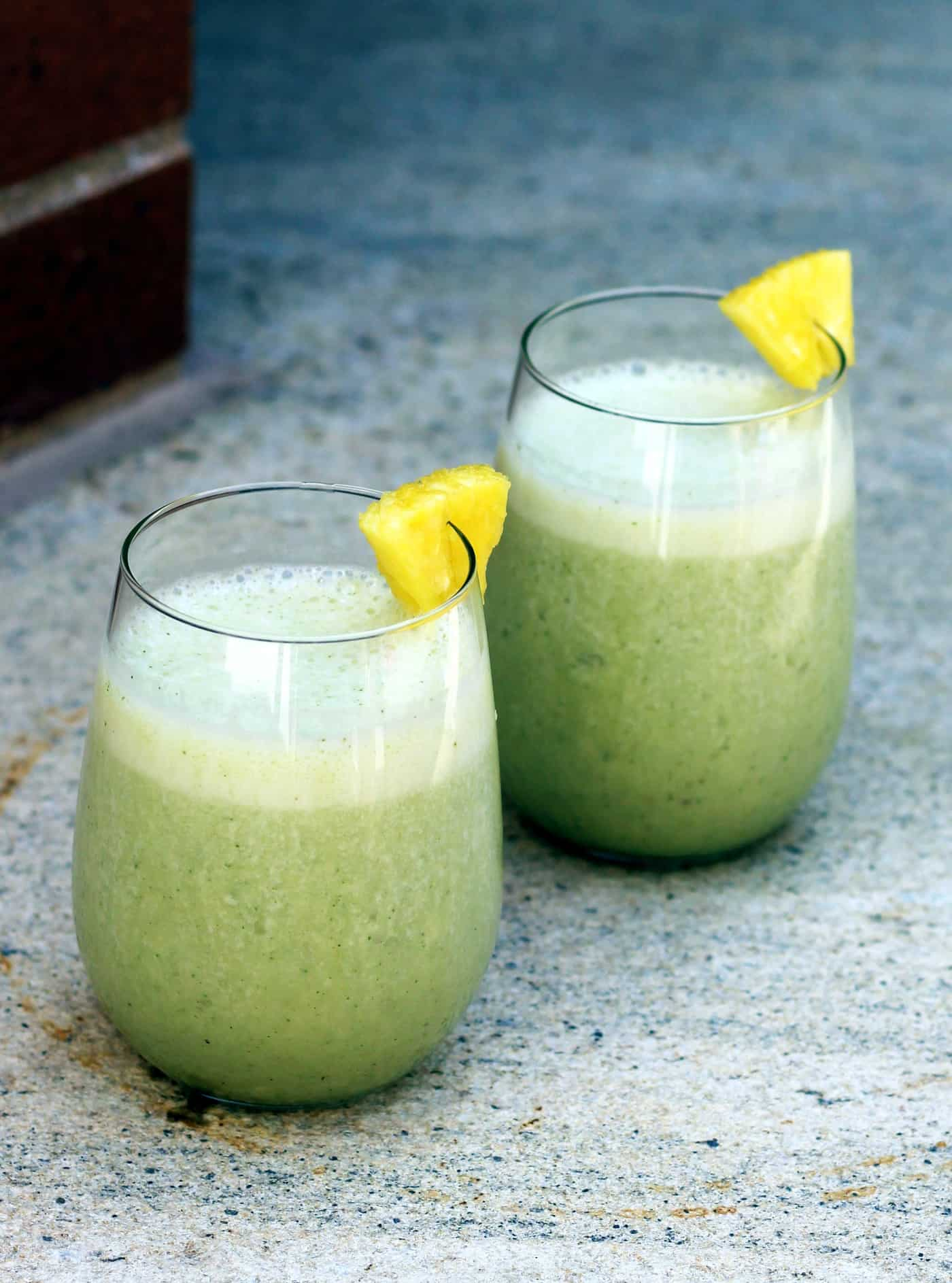 Banana Pineapple Mint Smoothie