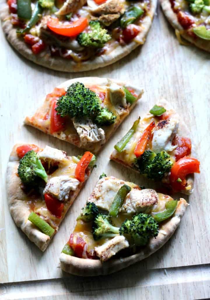 Sliced chicken fajita pita pizza