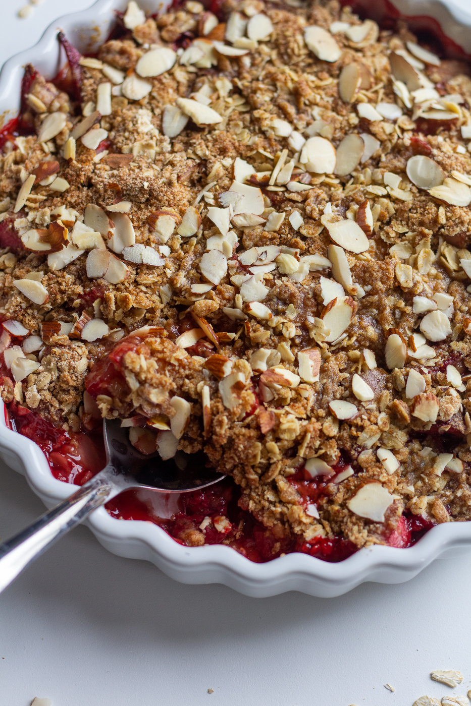 Healthy Strawberry Rhubarb Crisp