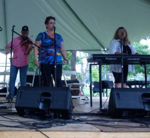 Amanda Lynn Stubley and Chuckee Zehr perform at Home County 2017