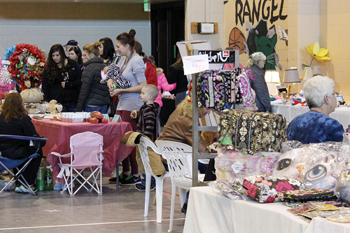Crowds were down a bit on Sunday, but the annual Epsilon Sigma Alpha (ESA) annual bazaar, held at the Rangely Elks Lodge, still saw good attendance numbers. Attendees were met by a sold out venue of 30 different vendors. ESA secretary Vicki Lane said the variety of products was greater this year and that the vendors combined efforts to connect with the attendees. There was even some price negotiating going on between buyers and vendors. And there were several people who did a lot of their Christmas shopping at the bazaar.