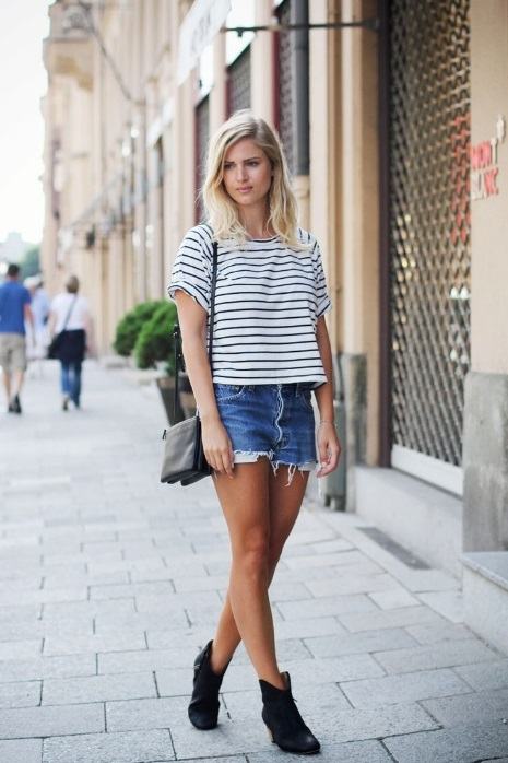 How to Wear Short Boots Striped t-shirt and Short Boots