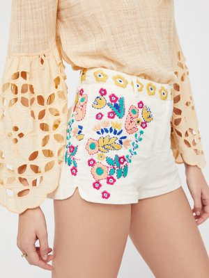 What to Wear to a Music Festival Outfit Ideas Bohemian Bottoms Floral Shorts