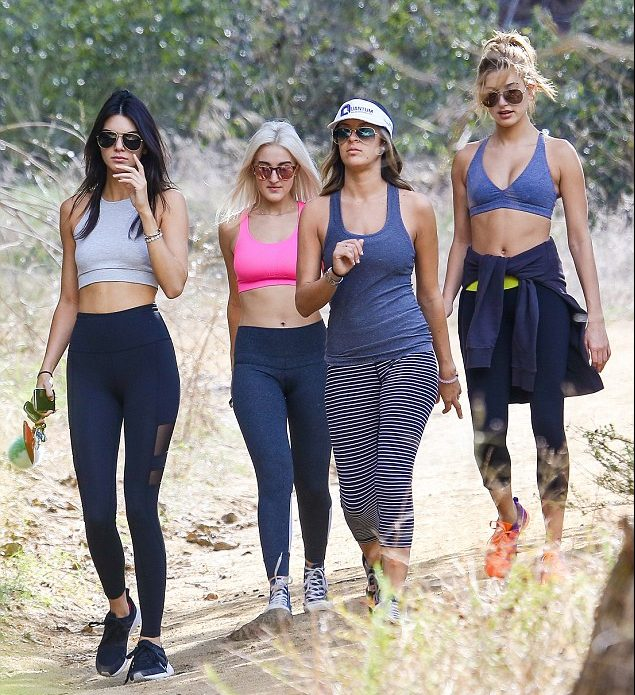 Fashionable hiking outfits Kendal Jenner