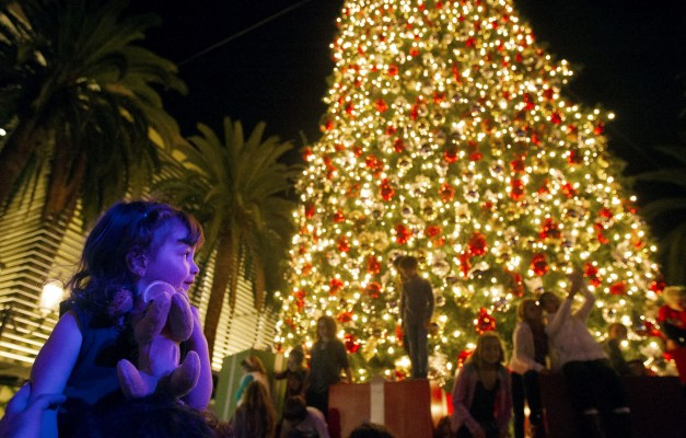 Fashion Island Mall Newport Tree Lighting
