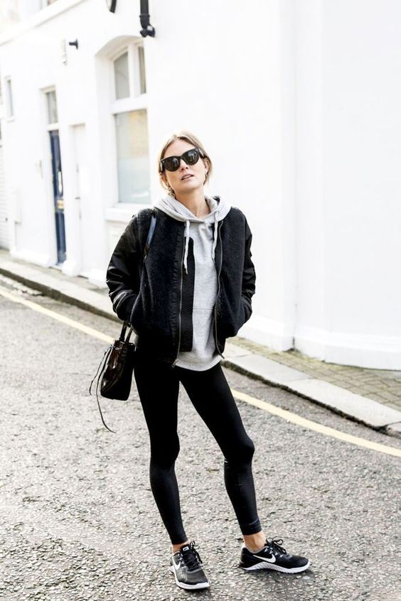 athleisure black outfit look