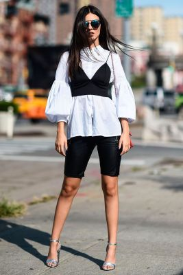 1115ea0348 You can wear a plain white shirt and clash it with a black bralette