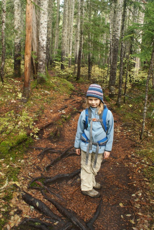 talapus olallie lake trail, hiking with children, fall hikes, kids in nature