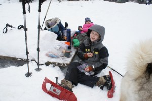 Snowshoeing with kids washington, winter hikes