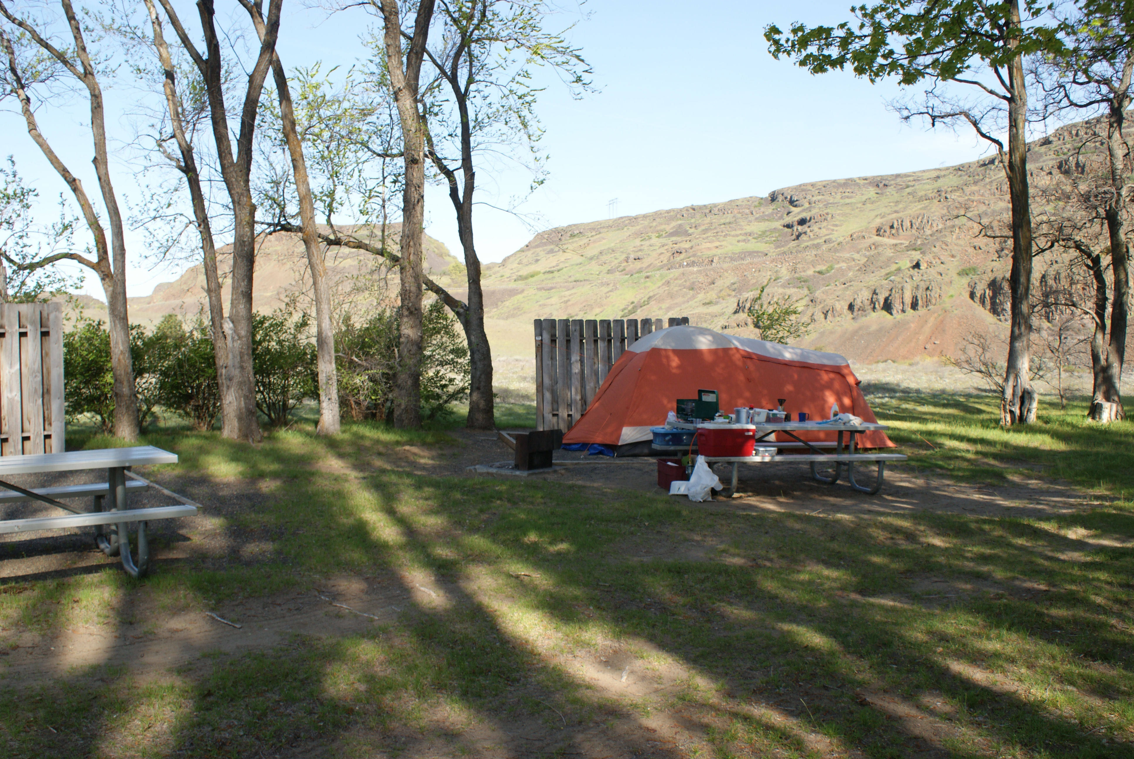 camping in washington, camping with kids, the dalles. horsethief lake
