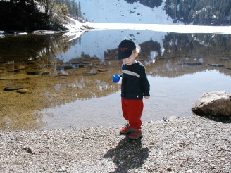 mountain loop highway, hiking with kids, best hikes for kids, spring, summer,toddler, kids in nature