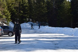winter snowshoe hikes for kids, families on the trail, winter hikes for kids, blewett pass