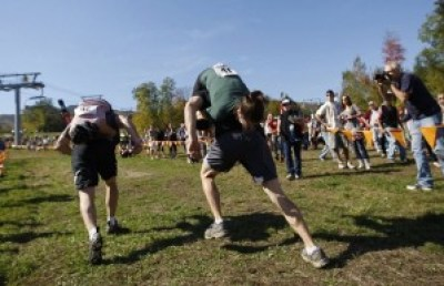 wife-carrying-chamionship-2[3]