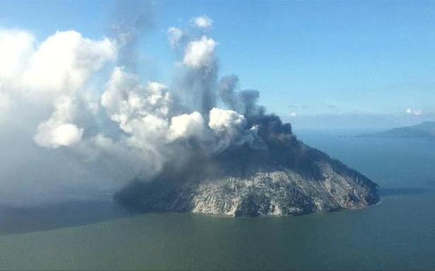 Papua New Guinea evacuates thousands threatened by volcano