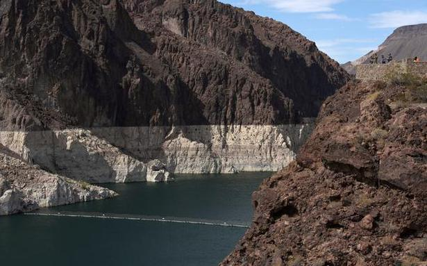 Water levels in largest reservoir in U.S. falls to historic lows amidst drought