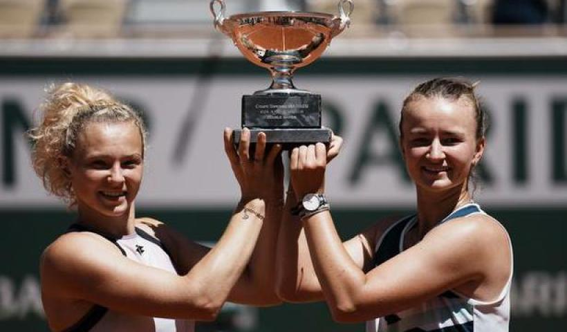 French Open   Krejcikova takes the doubles title with Siniakova