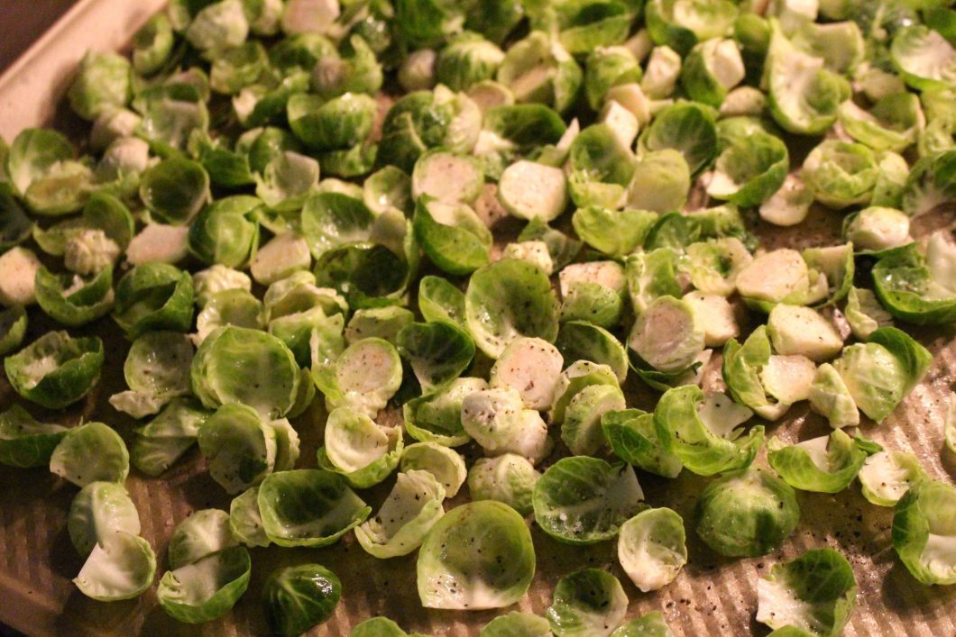 Brussel Sprout Chips // www.thehisfor.com