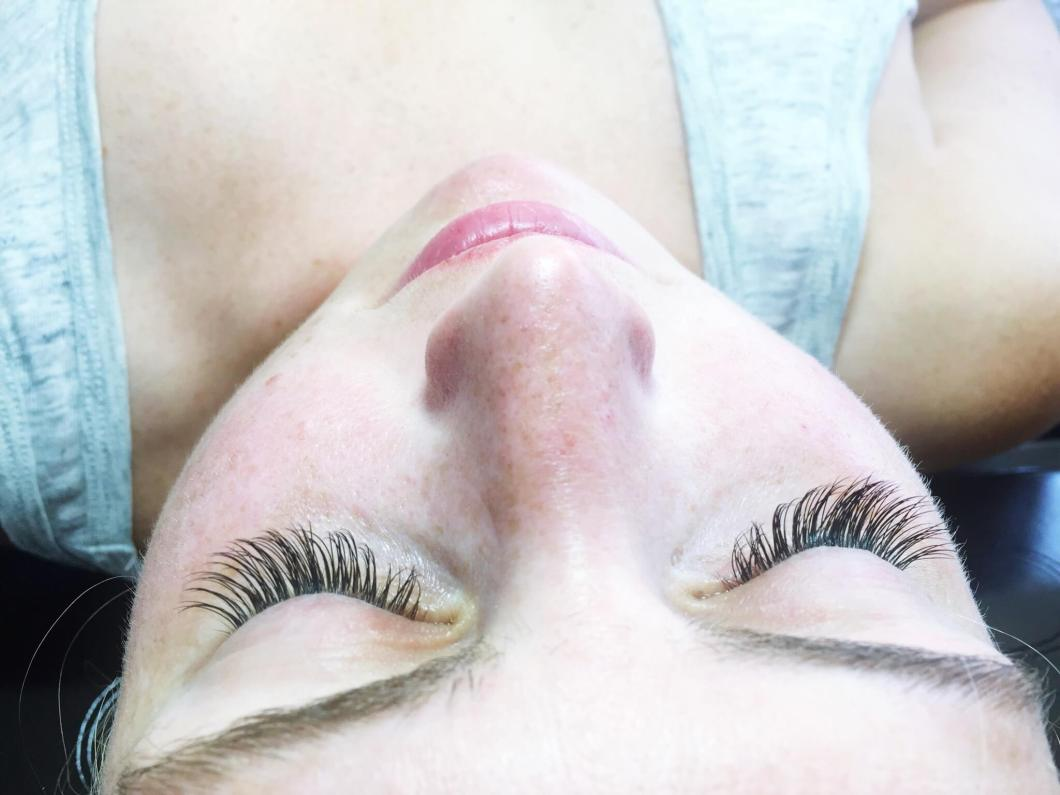 Eyelash Extensions--AFTER // Lashes By Lola // www.thehisfor.com