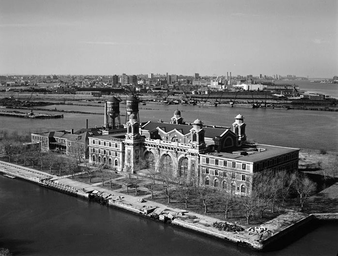 American Passage The History Of Ellis Island By Vincent Cannato