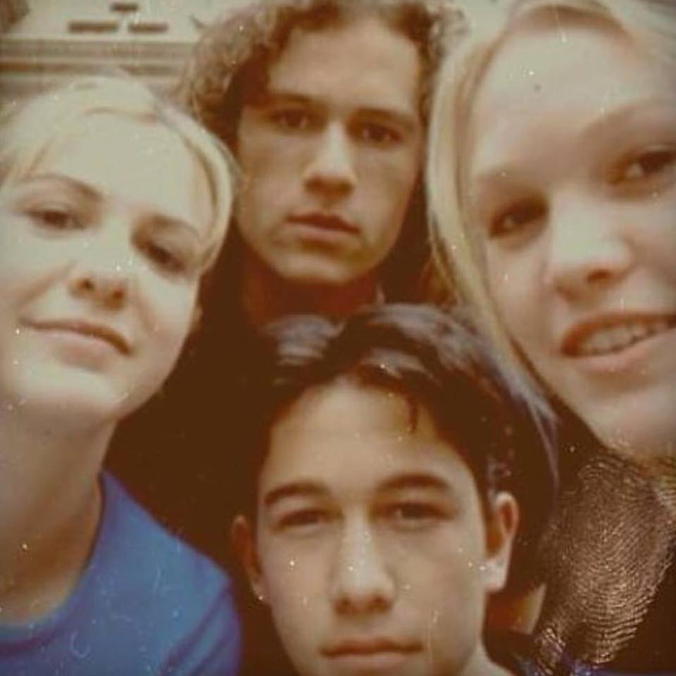 Awesome selfie of Joseph Gordon-Levitt, Heath Ledger, Julia Stiles, and Larisa Oleynik on the set of