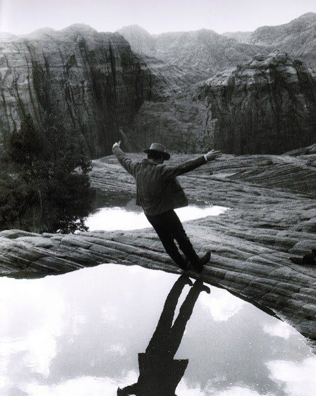 What an amazing picture! This is Paul Newman cooling off on the set of 'Butch Cassidy and the Sundance Kid' (1969)