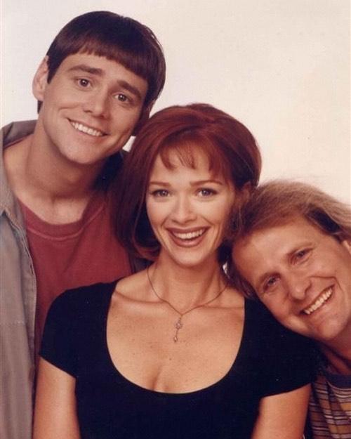 Promo shot of Jim Carrey, Jeff Daniels & Lauren Holly for