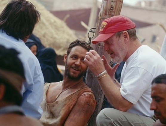 Director Ridley Scott directs @russellcrowe in
