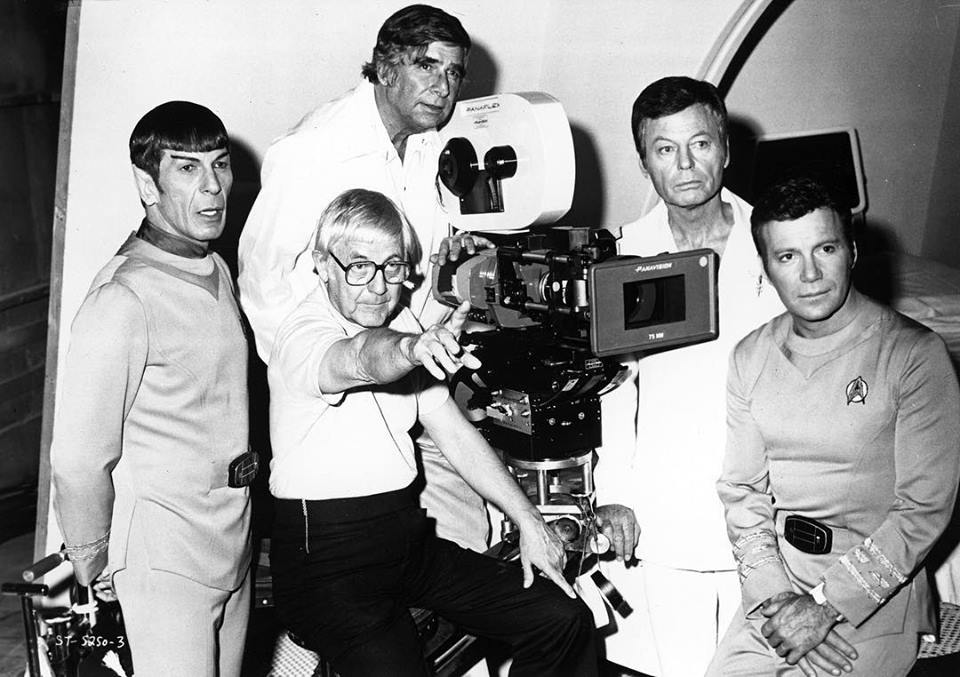 William Shatner behind the scenes of 'Star trek' (1979) with Leonard Nimoy, DeForest Kelley, Gene Rodenberry and Robert Wise.