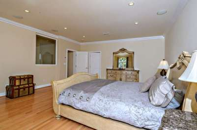 15043 Sutton St Sherman Oaks-small-063-0160-666x444-72dpi
