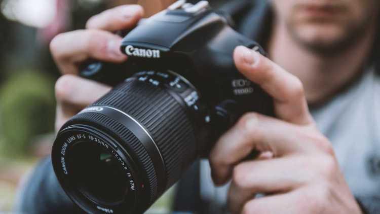 Canon 1500d camera