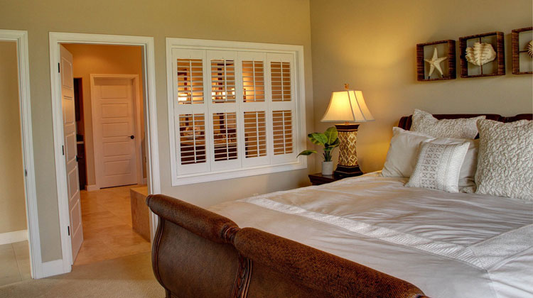 King Island Style Bedroom with white color