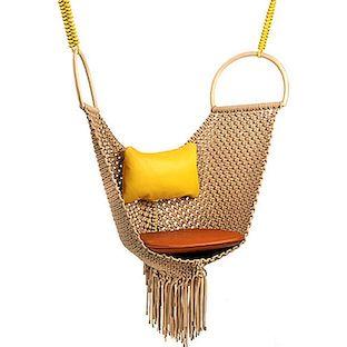 swing chair patricia urquiola foldable outdoor chairs nin louis vuitton un objets nomades koleksiyonu bugunku yayinda ini paylasmak istiyoruz naylon ipten yapilmis ve deri yastiklari ile tamamlanan proje kesinlikle essiz