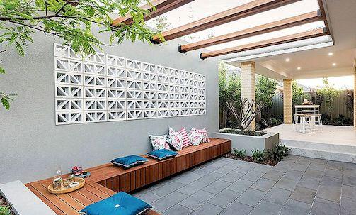 outdoor kitchen patio ideas pottery barn rugs 14个新鲜有趣的露台想法 激励你今夏 考虑这些舒适的长椅 以最大限度地提高露台的座位数量 一定要包括足够的枕头 以保持舒适 图片 dale alcock homes